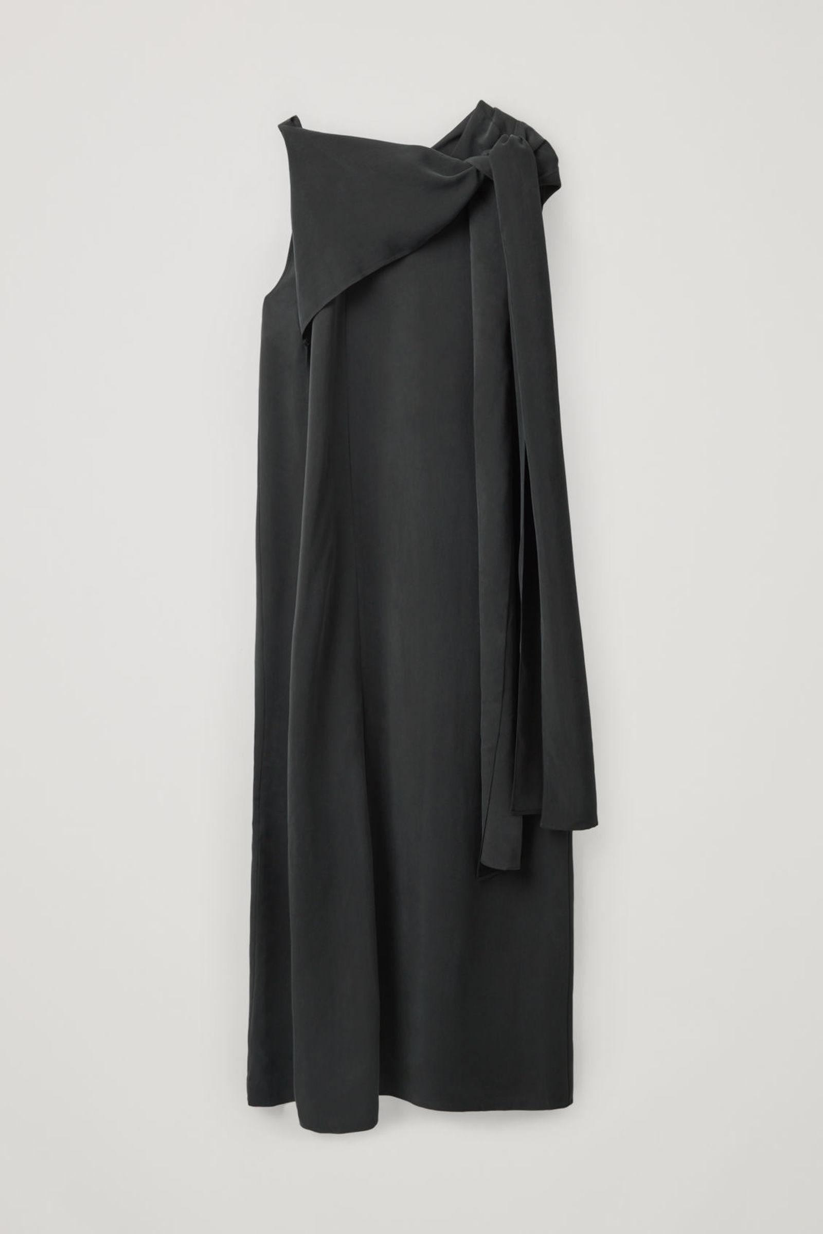 COS 드레이프드 넥 타이 드레스의 블랙컬러 Product입니다.