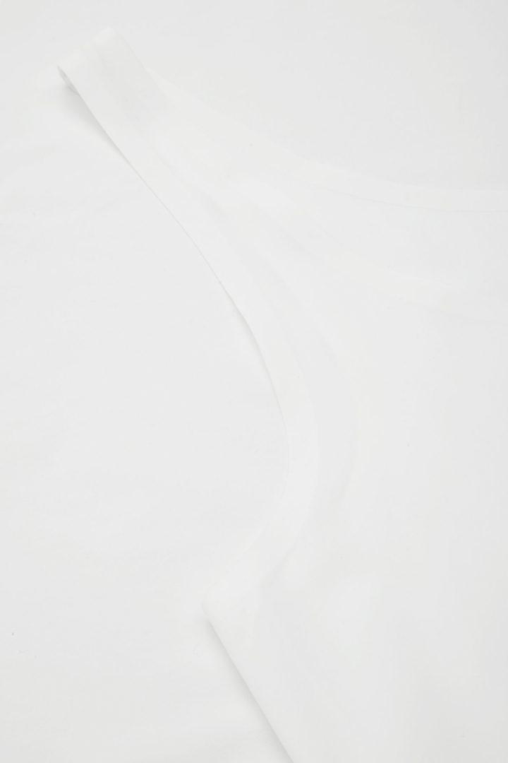 COS 심리스 베스트 탑 의 화이트컬러 Detail입니다.