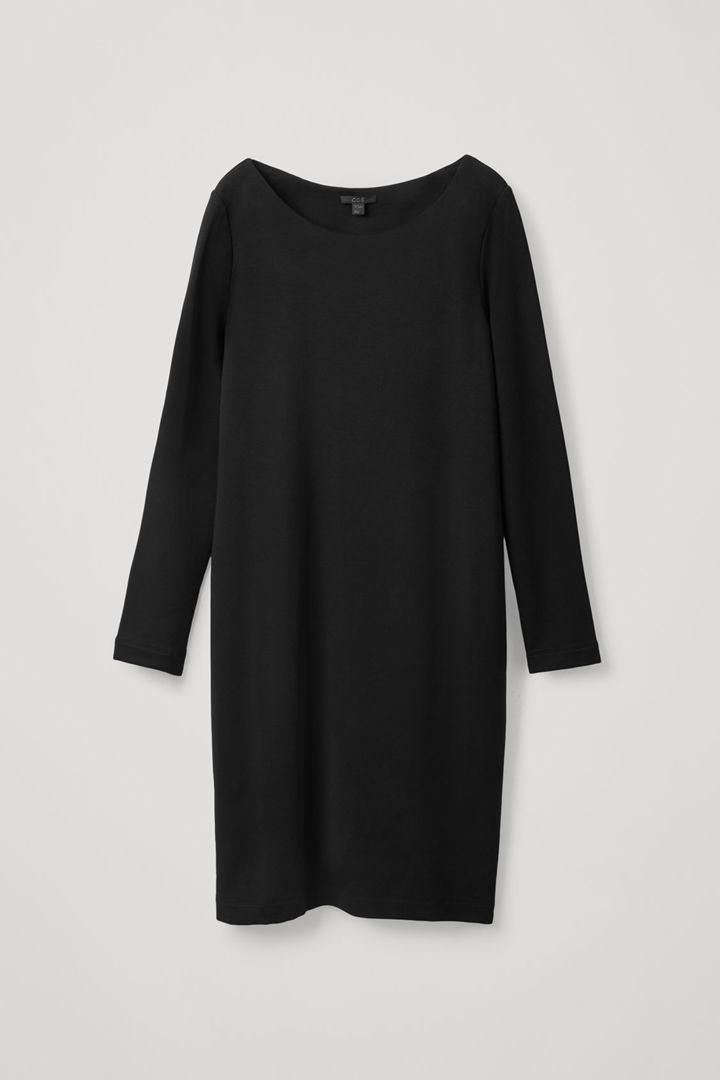 COS 롱 엘라스틱 웨이스트 드레스의 블랙컬러 Product입니다.