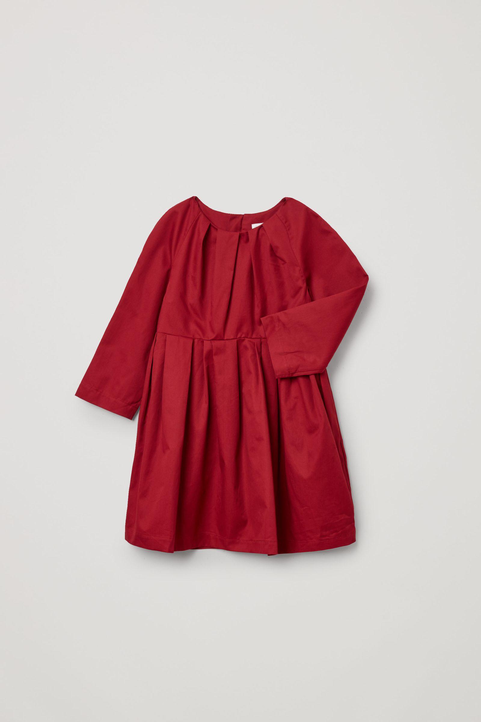 COS 플리티드 코튼 드레스의 레드컬러 Product입니다.