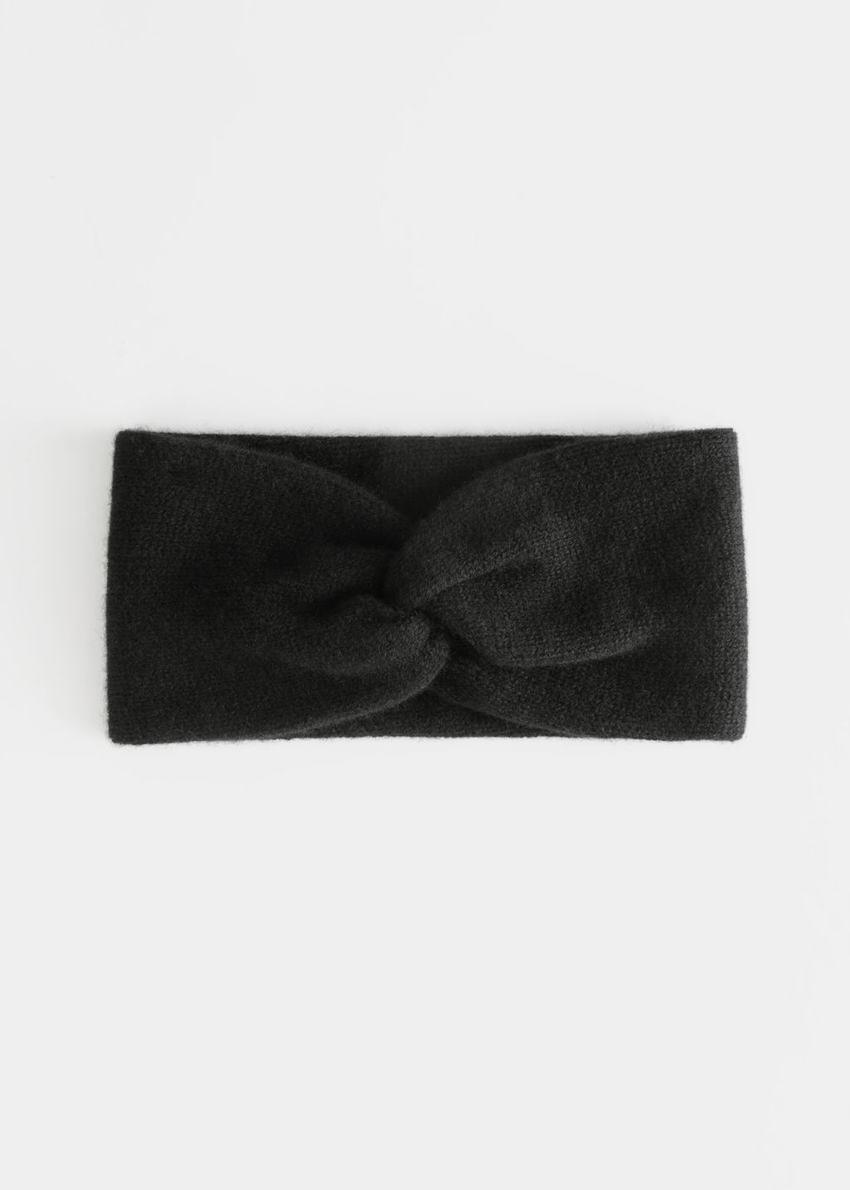 앤아더스토리즈 캐시미어 트위스트 매듭 헤어밴드의 블랙컬러 Product입니다.