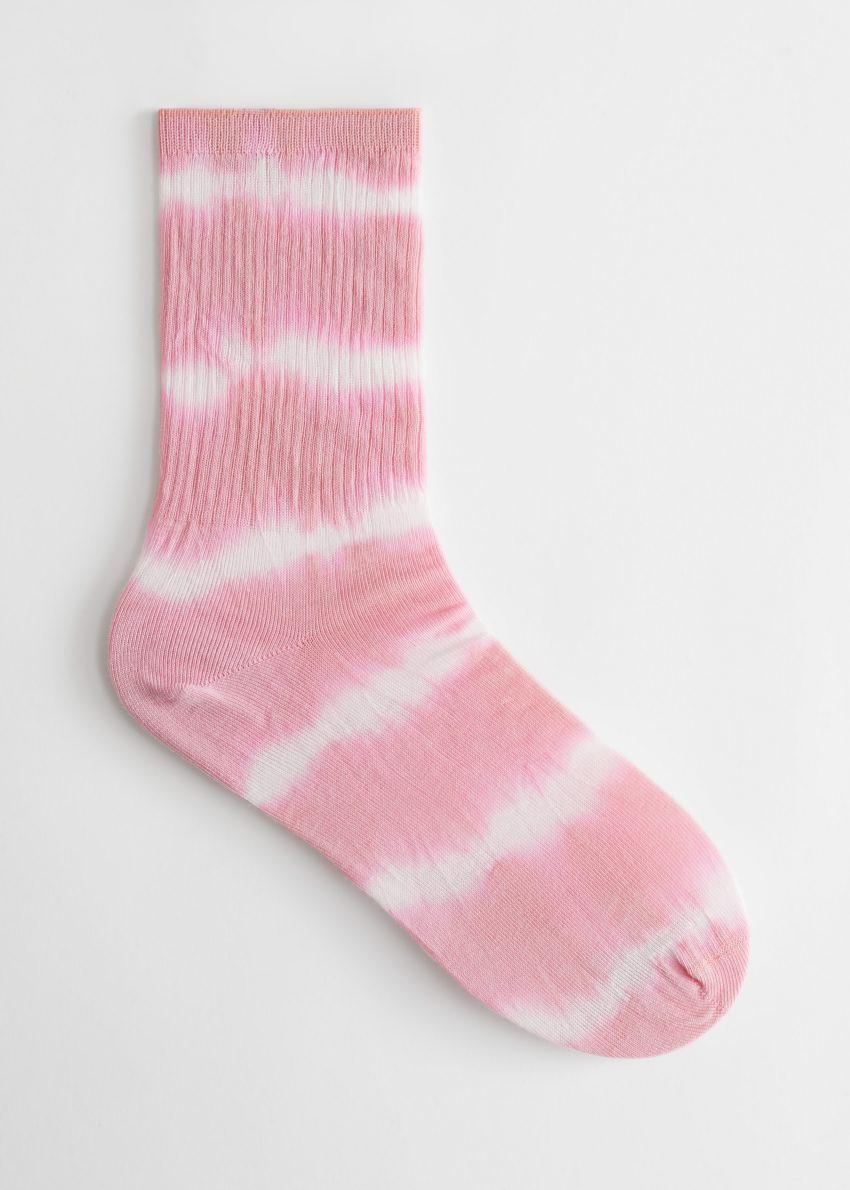 앤아더스토리즈 타이 다이 삭스의 핑크 타이 다이컬러 Product입니다.