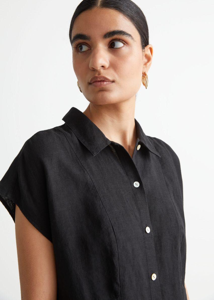 앤아더스토리즈 미니 셔츠 드레스의 블랙컬러 ECOMLook입니다.