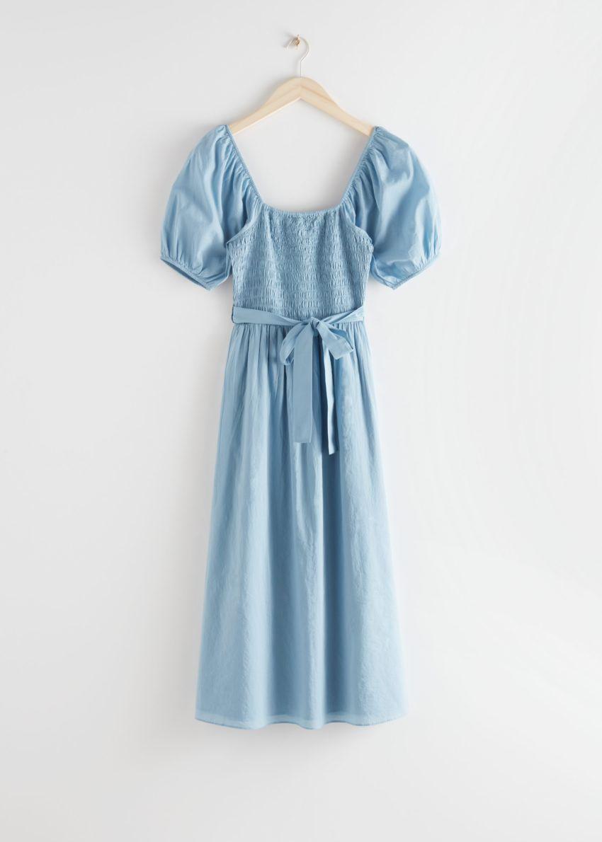 앤아더스토리즈 벨티드 퍼프 슬리브 미디 드레스의 라이트 블루컬러 Product입니다.