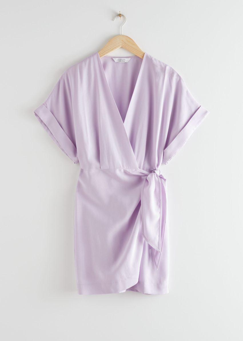 앤아더스토리즈 릴렉스드 랩 미니 드레스의 라일락컬러 Product입니다.