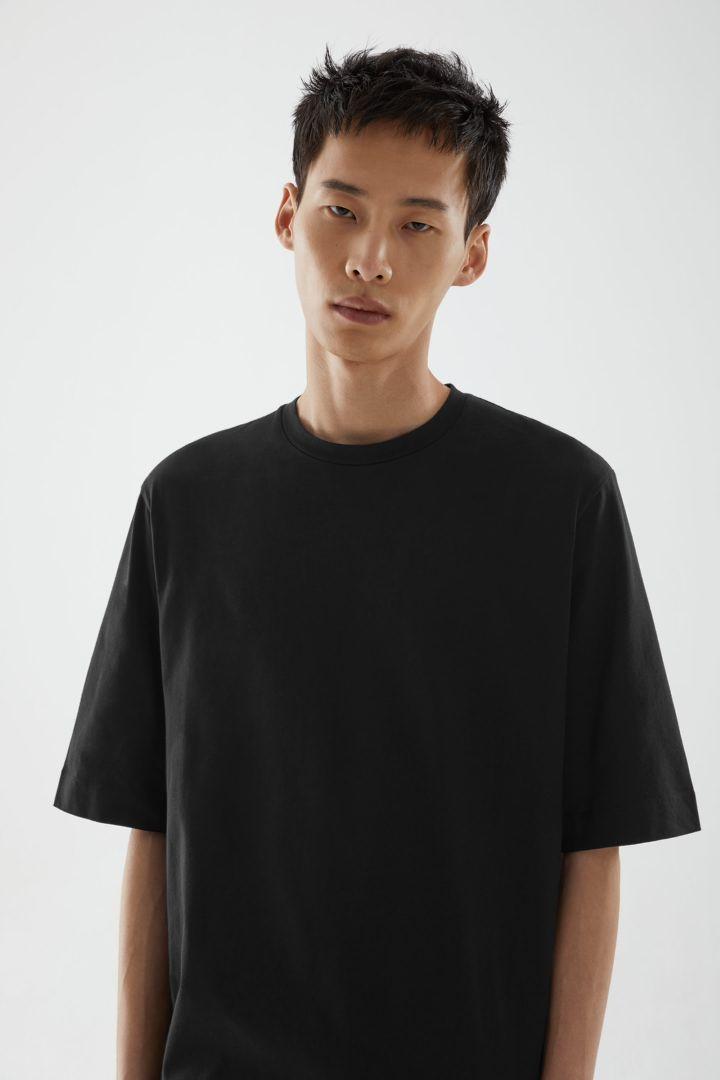 COS default image 7 of 그레이 in 오가닉 코튼 릴랙스드 핏 티셔츠