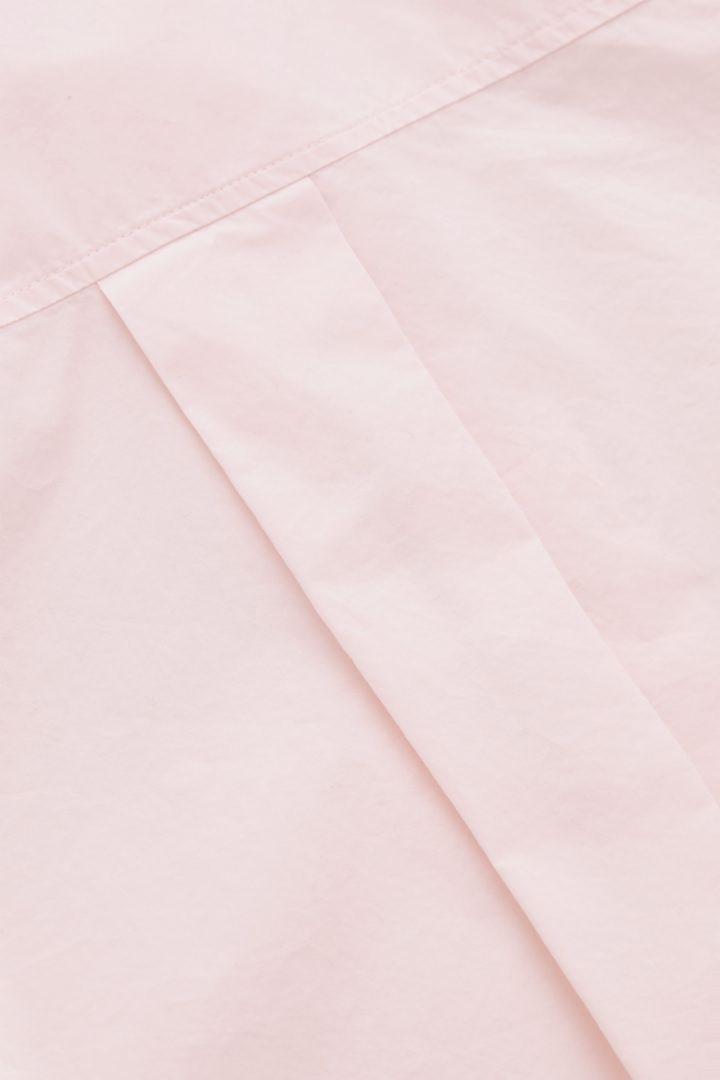 COS 오버사이즈 테일러드 셔츠의 더스티 핑크컬러 Detail입니다.