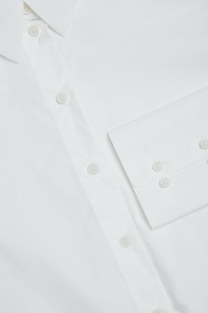 COS 디태처블 칼라 코튼 셔츠의 화이트컬러 Detail입니다.