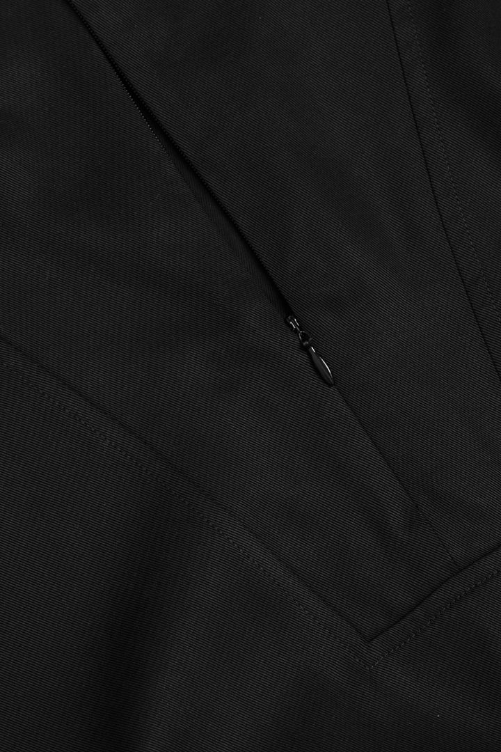 COS 라이오셀 유틸리티 드레스의 블랙컬러 Detail입니다.