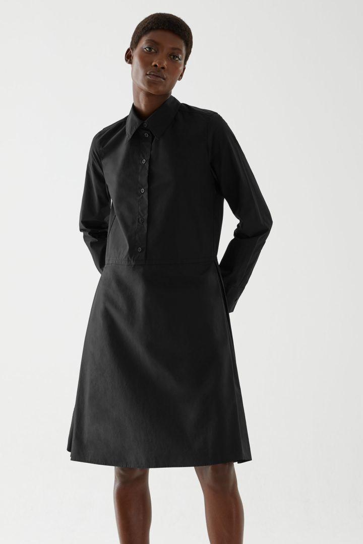 COS default image 5 of 블랙 in 플리티드 코튼 셔츠 드레스
