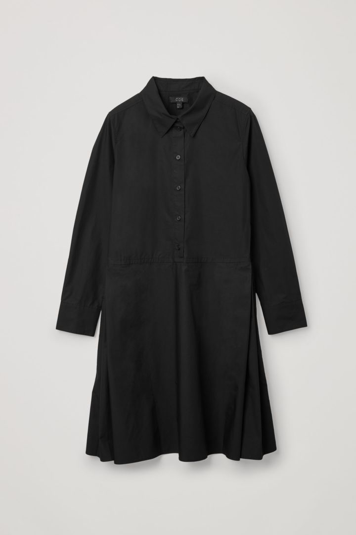 COS 플리티드 코튼 셔츠 드레스의 블랙컬러 Product입니다.