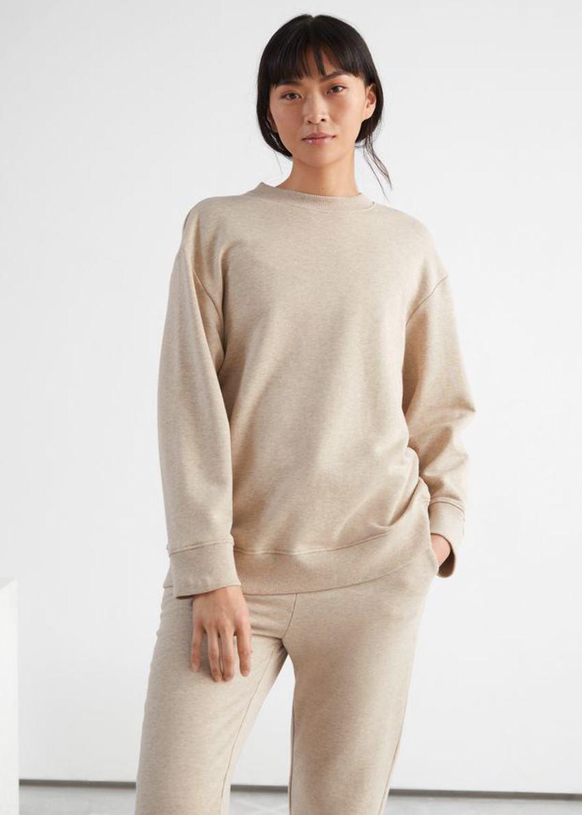 앤아더스토리즈 릴렉스드 코튼 스웨트셔츠의 베이지 멜란지컬러 ECOMLook입니다.