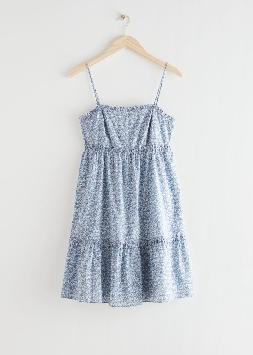 앤아더스토리즈 프릴 스파게티 스트랩 미니 드레스의 블루 플로럴컬러 Product입니다.