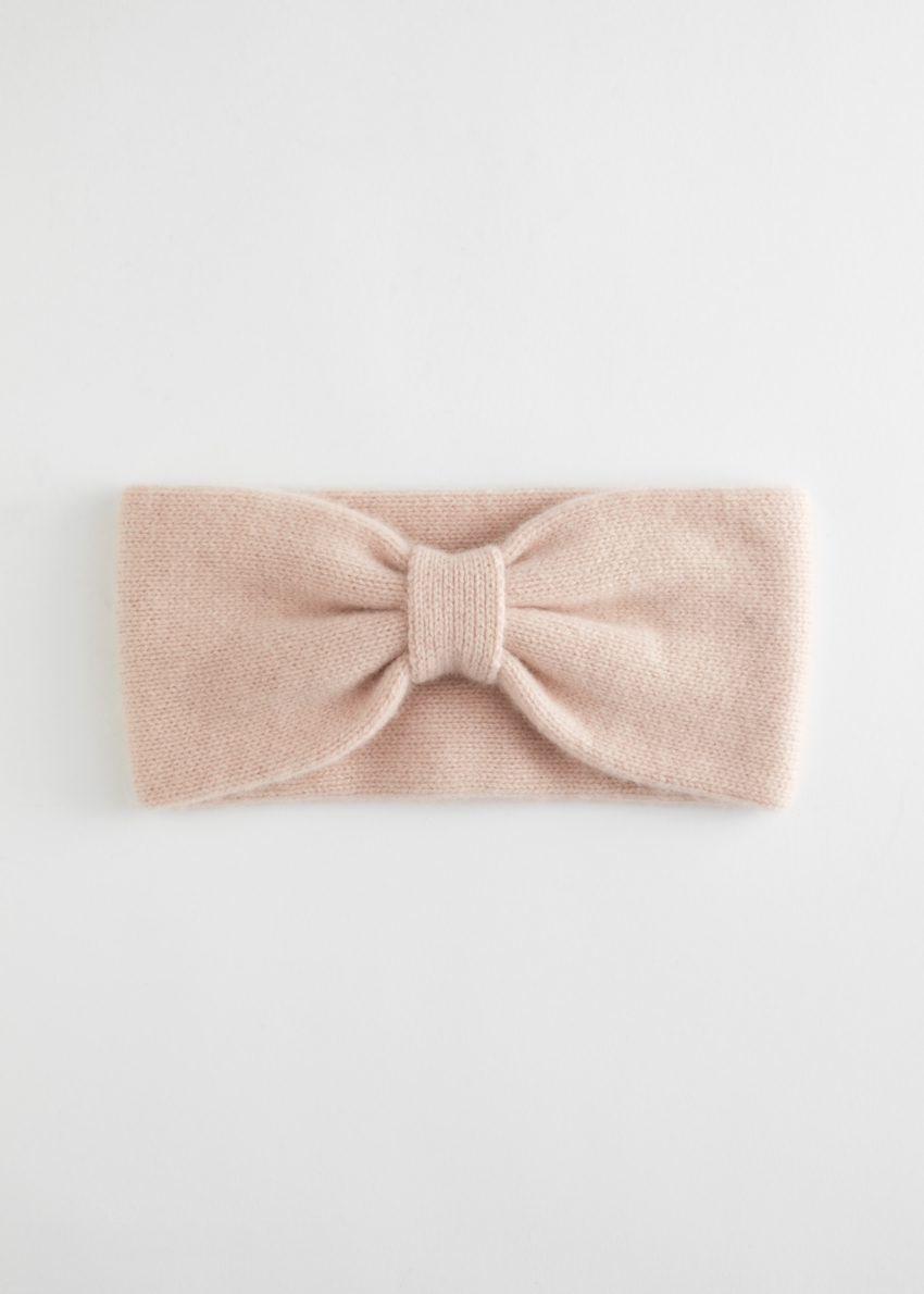앤아더스토리즈 캐시미어 니트 헤어밴드의 라이트 핑크컬러 Product입니다.