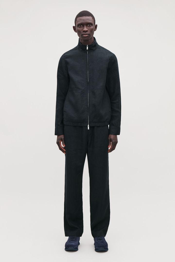COS default image 12 of 블루 in 리넨 봄버 재킷
