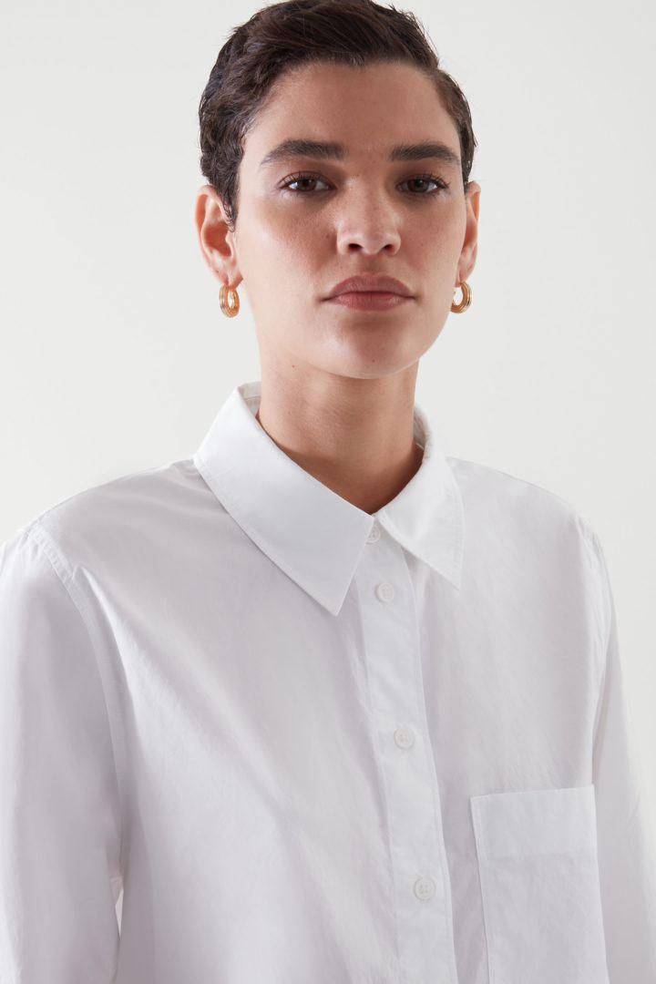 COS default image 12 of 화이트 in 오버사이즈 테일러드 셔츠